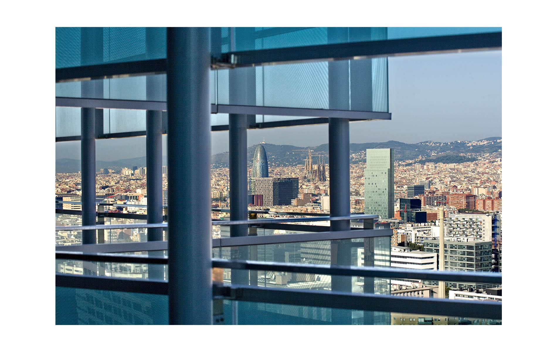 architecturephotography,barcelona,rafaelvargas photo,building,barcelona aerial view, glassfacade,