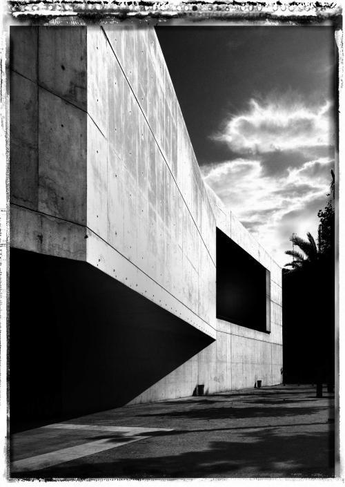 MUVIM by Guillermo Vázquez Consuegra